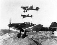 280px-Junkers_Ju_87Ds_in_flight_Oct_1943.jpg