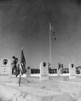 4th_Marine_Division_cemetery,_Iwo_Jima,_1945_(5600761284).jpg